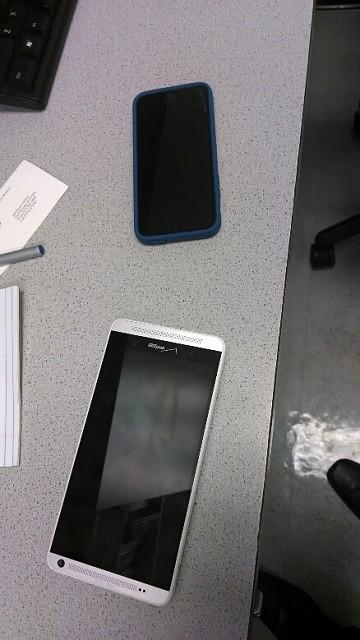 HTC One Max apare În noi imagini, de această dată În varianta Verizon