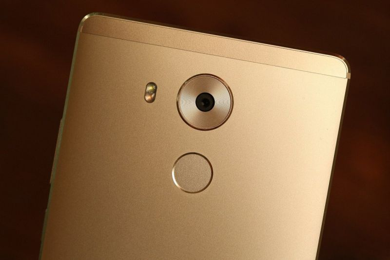 Huawei Mate 8 apare în benchmark-uri cu rezultate zdrobitoare pentru rivali: 94250 puncte în AnTuTu