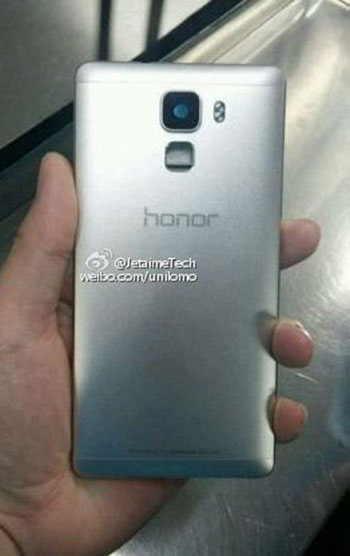 Primele imagini live cu Huawei Honor 7 sunt aici; telefonul vine cu senzor de amprente și corp din aluminiu