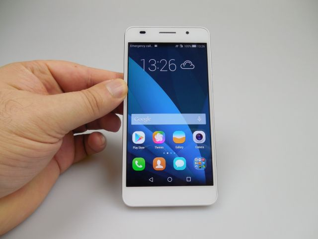 Display-ul lui Huawei Honor 6