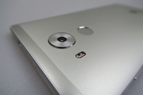 Camera lui Huawei Mate 8