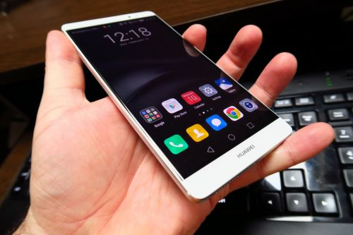 Ecranul lui Huawei Mate 8