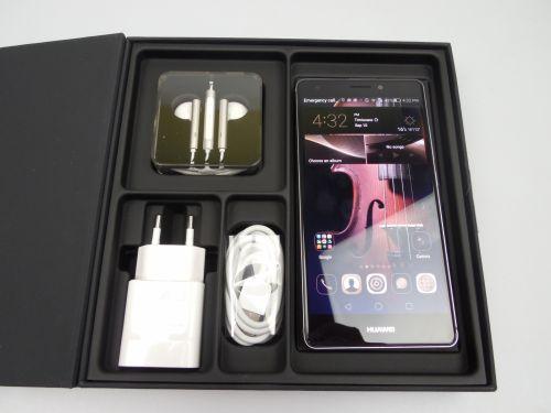 Continutul cutiei lui Huawei Mate S