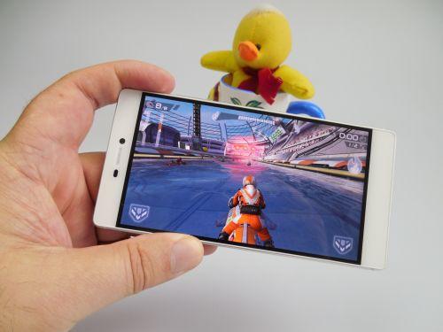 Jocuri pe Huawei P8