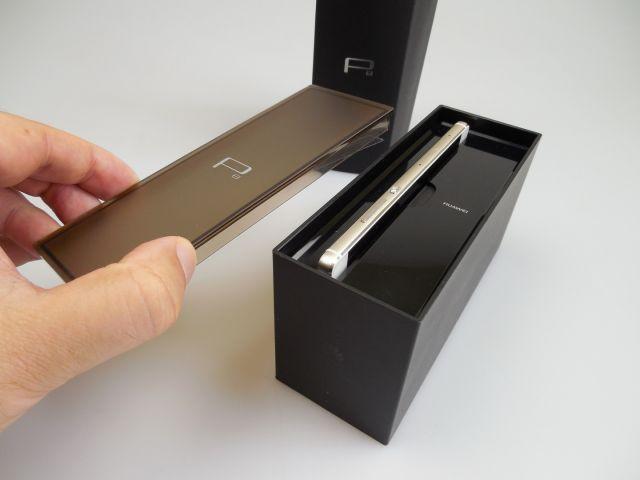 Cutia lui Huawei P8