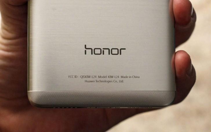 Huawei Honor 5X va primi actualizarea la Marshmallow, Emotion UI 4 şi au fost promise şi patch-uri de securitate la zi