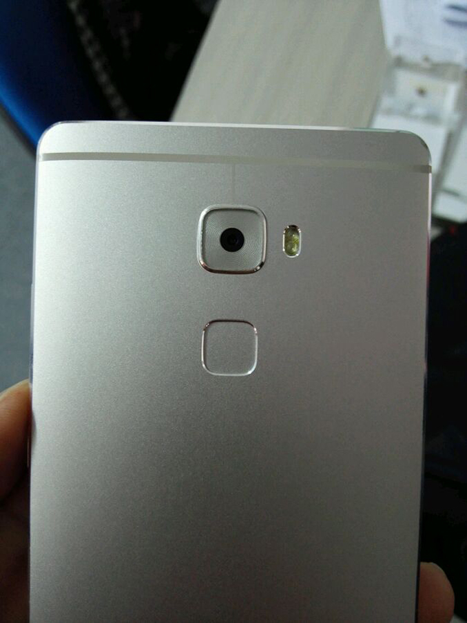 Huawei Mate S îşi confirmă pentru ultima oară designul prin intermediul unor fotografii hands-on în prim plan