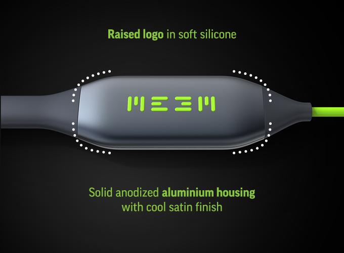 MEEM este un cablu USB care face backup automat pentru date în vreme ce încarca telefonul; Îl găsiţi pe Kickstarter