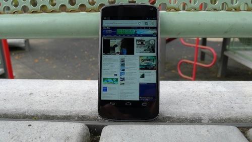 Review Gizmodo: Android pur, la puterea a doua