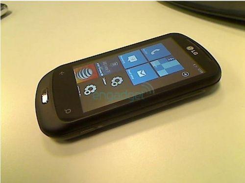 Un nou telefon Windows Phone 7 fotografiat in premiera! LG C900 ni se dezvaluie!