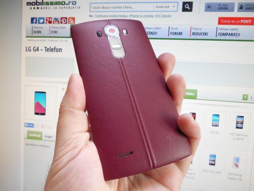 LG G4 cu capac din piele bordo