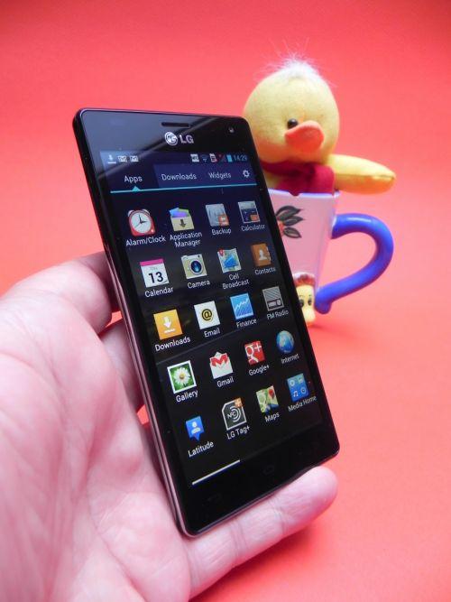 Recenzie LG Optimus 4X HD