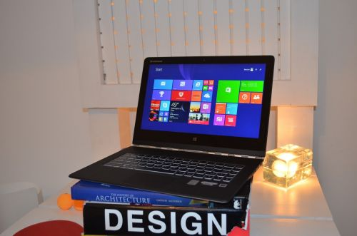 notebook-ul convertibil Yoga 3 Pro