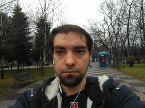 Selfie cu Lenovo PHAB Plus