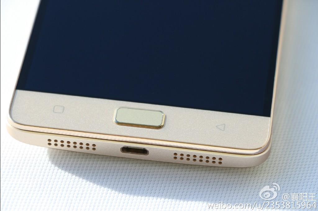 Lenovo Vibe P1 apare în noi imagini hands on, mai clare ca niciodată; Vine cu scanner de amprente, baterie generoasă