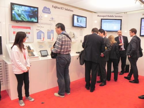 Standul Fujitsu de la Mobile World Congress 2012 din Barcelona