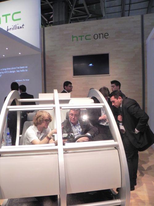 Standul HTC de la MWC 2012 ni se prezintă cu dubstep și dans modern (Video)