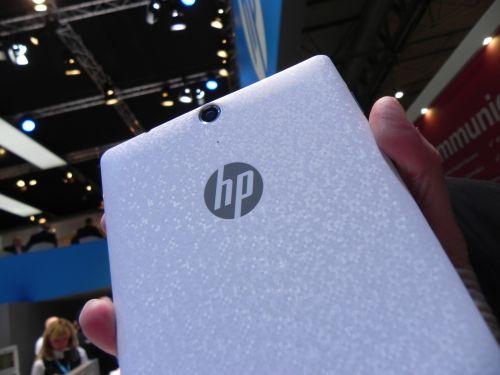HP Slate7 VoiceTab hands on preview - tableta cu funcție de telefonie, design stil HTC One (Retro MWC 2014 - Video)