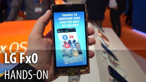MWC 2015: LG Fx0 hands-on - cel mai original telefon midrange din ultimul an, cu carcasa transparentă (Video)