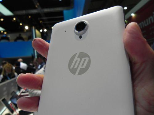HP Slate6 VoiceTab hands on preview - phablet midrange de 6 inch cu design arătos (Retro MWC 2014 - Video)