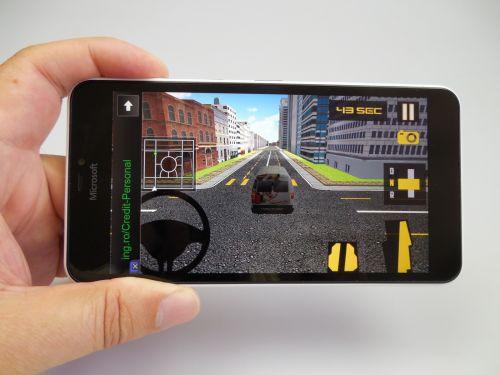 Designul lui Microsoft Lumia 640 XL LTE