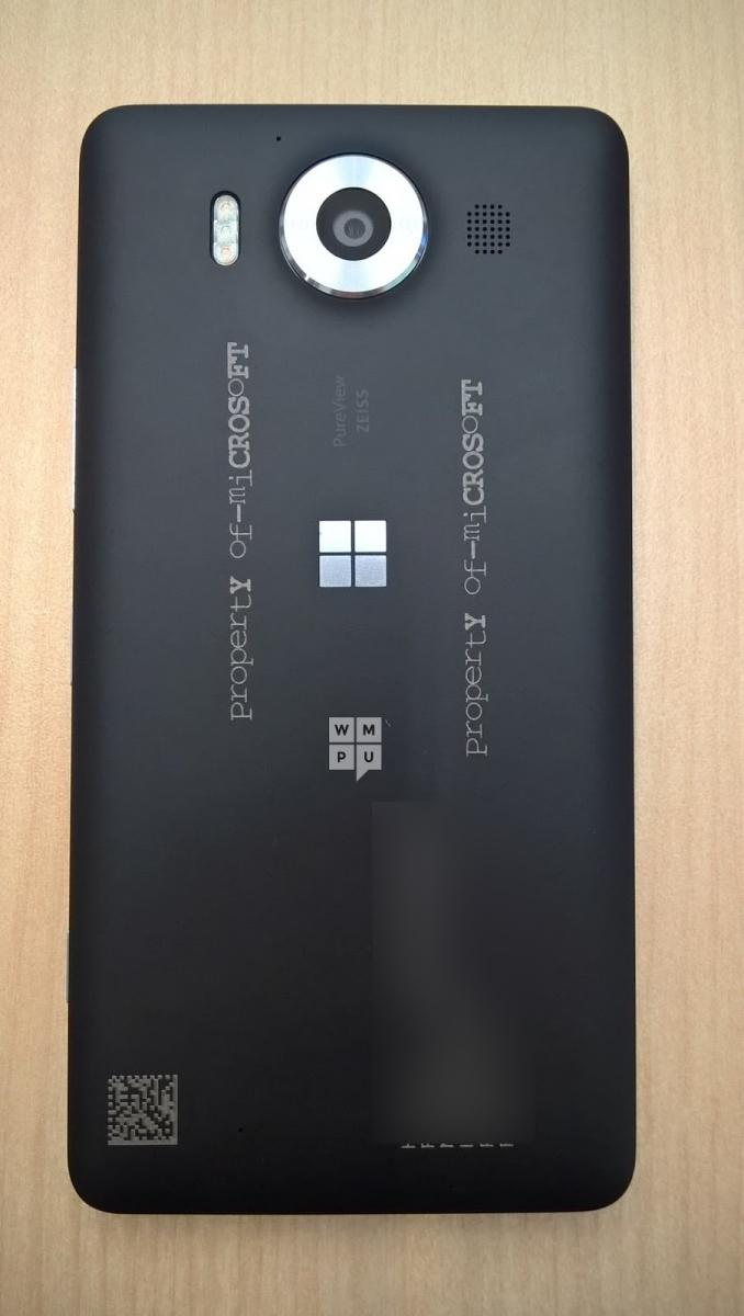 Microsoft Lumia 950 fotografiat din spate