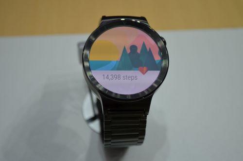 IFA 2015: Huawei Watch hands-on - mai apropiat de definiţia standard a unui ceas decât multe smartwatchuri (Video)