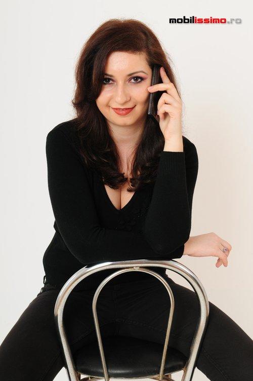 Madalina Padurean - MobiGirl Samsung Omnia 7