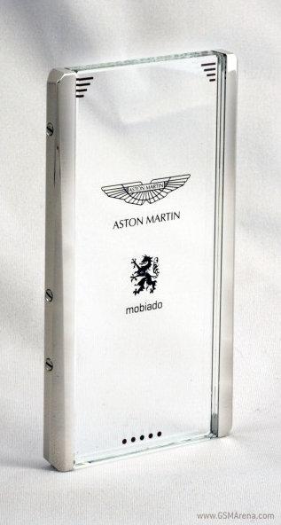 Lux și rafinament Într-un telefon transparent Aston Martin, cu Android la bord
