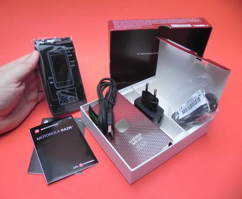 Motorola Droid RAZR Unboxing
