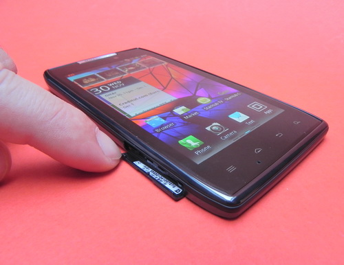 Sloturi disponibile pe Motorola Droid RAZR