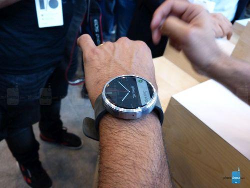 Motorola Moto 360 fotografiat și filmat În cadrul unei experiențe hands-on la I/O 2014; De departe cel mai arătos smartwatch (Video)!