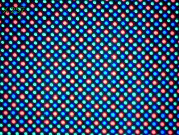 Pixelii sunt de tip Pentile Matrix pe Nexus 6