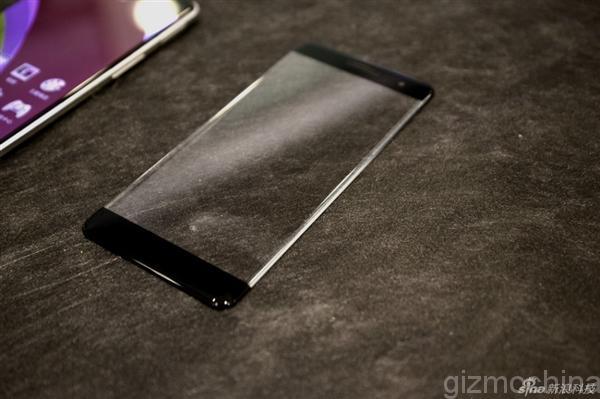 Un nou clip video cu Oppo R7 ajunge pe web însoțit de fotografii