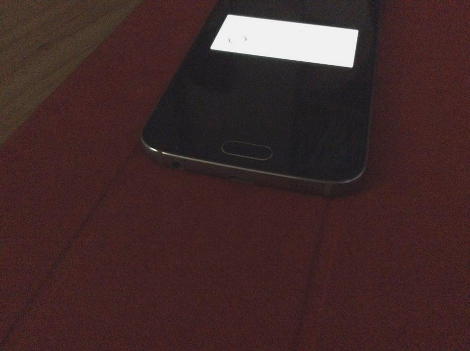 Primele imagini cu Samsung Galaxy S6 Mini apar pe web; lansarea ar putea avea loc luna viitoare
