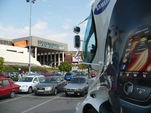 Caravana Samsung Mobile - parcarea Iulius Mall Timisoara