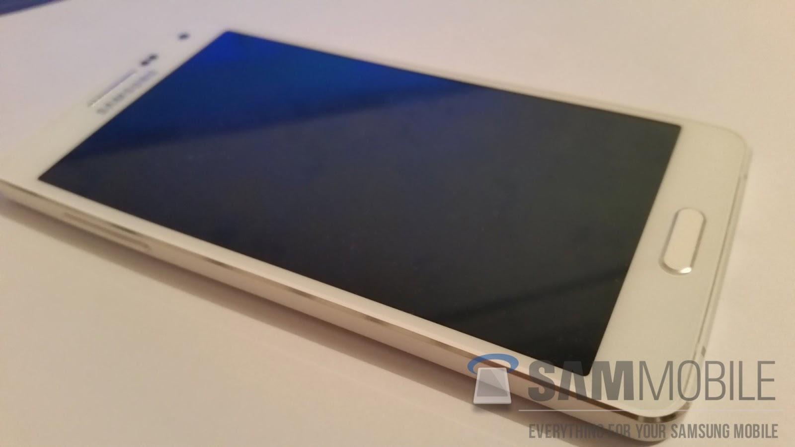 O abordare nouă de design de la Samsung: iată cum arată Samsung Galaxy A5!