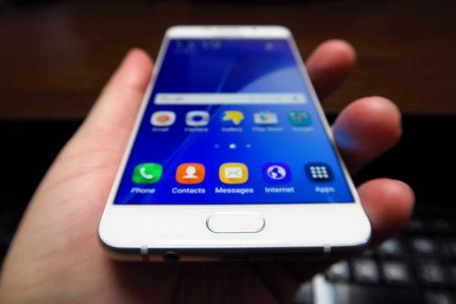 Samsung Galaxy A7 (2016), pe partea hardware