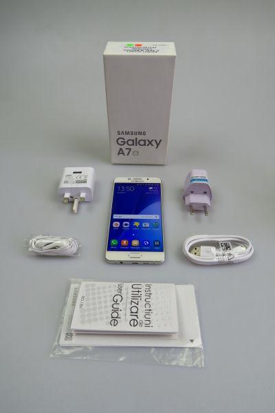 Samsung Galaxy A7 (2016), continutul cutiei