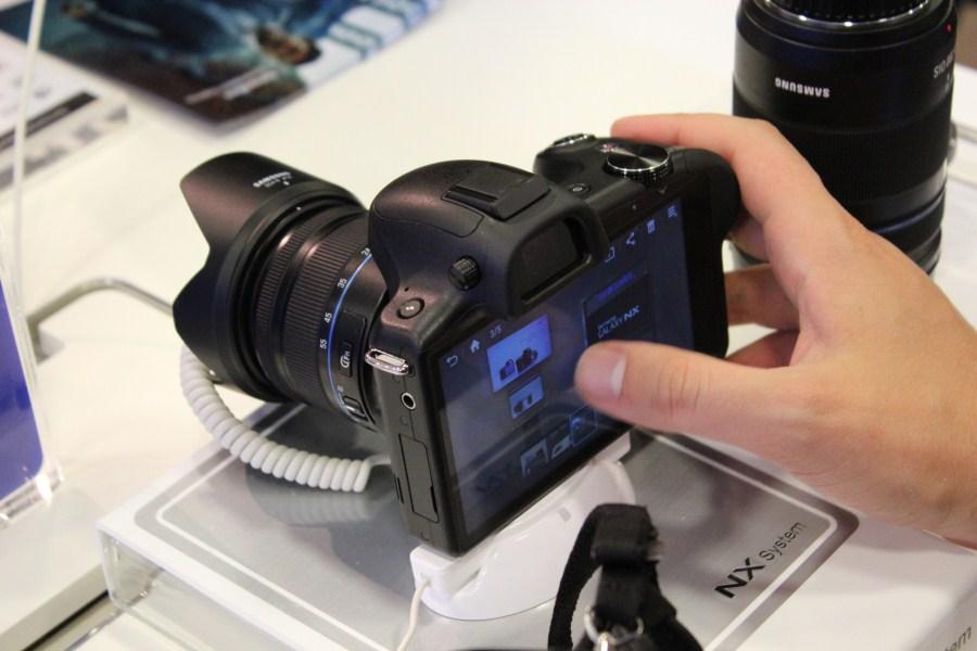Samsung GALAXY NX - primele impresii