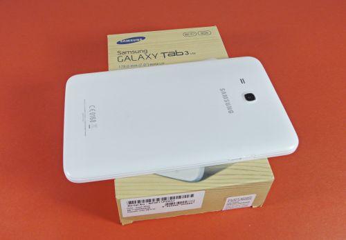 Samsung Galaxy Tab 3 Lite unboxing: tableta cu brand mare și preț mic, scoasă din cutie (Video)