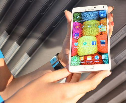 Samsung Galaxy Note 4 expus În cadrul Muzeului Național de Artă Contemporană din București cu ocazia debutului pe plan local