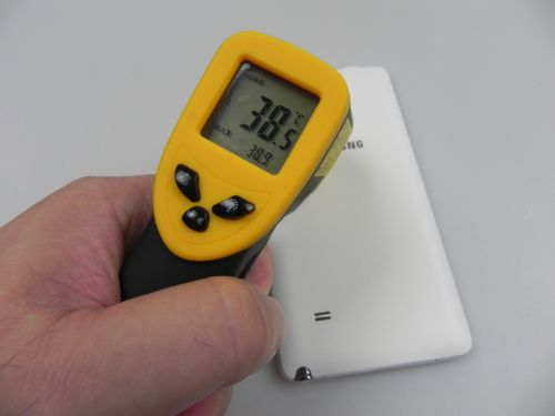 Note 4 atingând 38.9 grade Celsius după 15 minute de jucat Riptide GP2