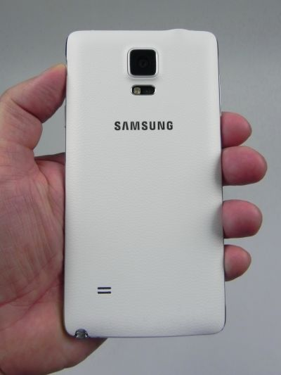Samsung Galaxy Note 4 din spate
