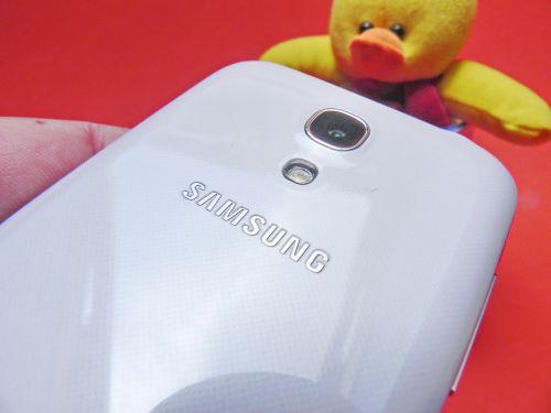 Samsung Galaxy S4 Mini - partea spate