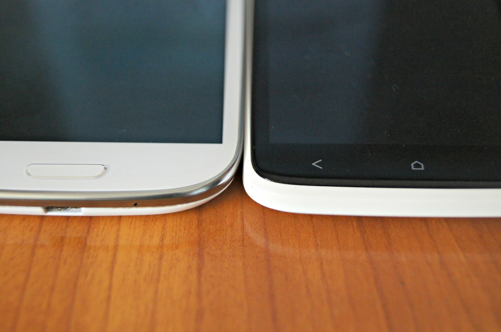 Samsung Galaxy S III versus HTC One X