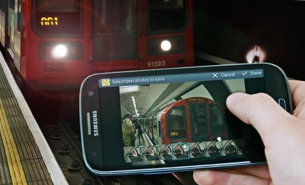 Samsung Galaxy S III pe negru
