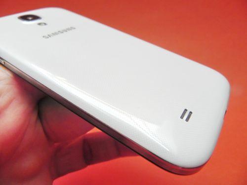 Samsung Galaxy S4, partea spate