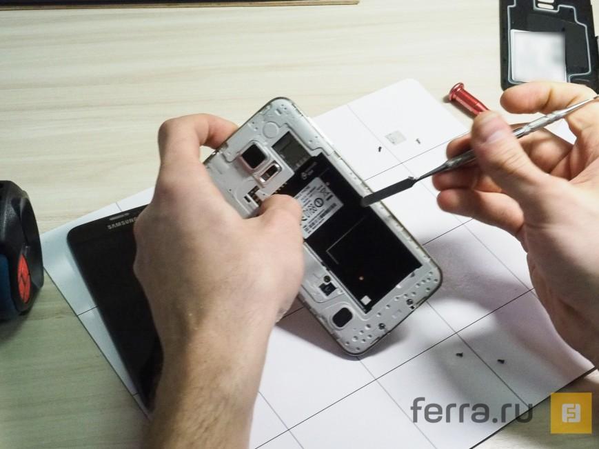 Samsung Galaxy S5 desfăcut și analizat: va fi destul de greu de reparat