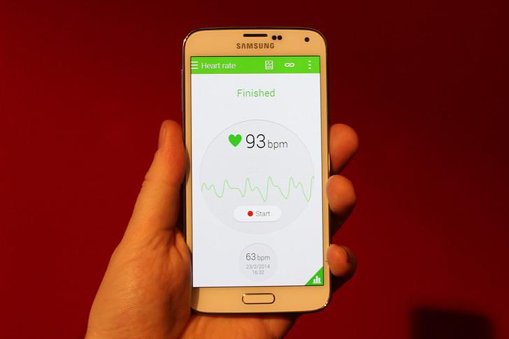 Scăpările de imagini cu Galaxy S5 nu se opresc; se confirmă prezența unui senzor pentru amprente